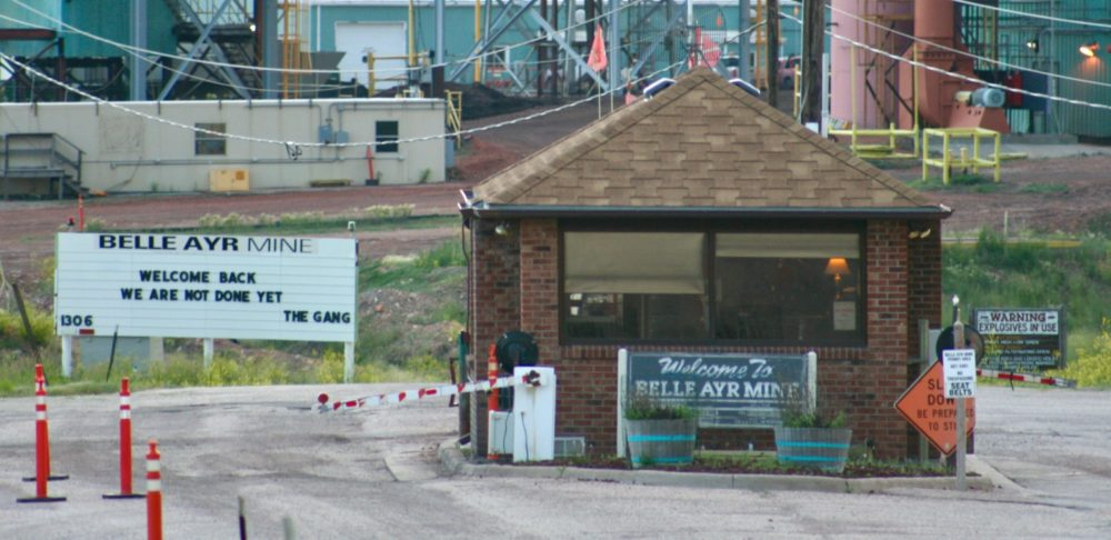 A sign greets a skeleton crew of Blackjewel employees who returned to work at the Belle Ayr mine. (Andrew Graham/WyoFile)