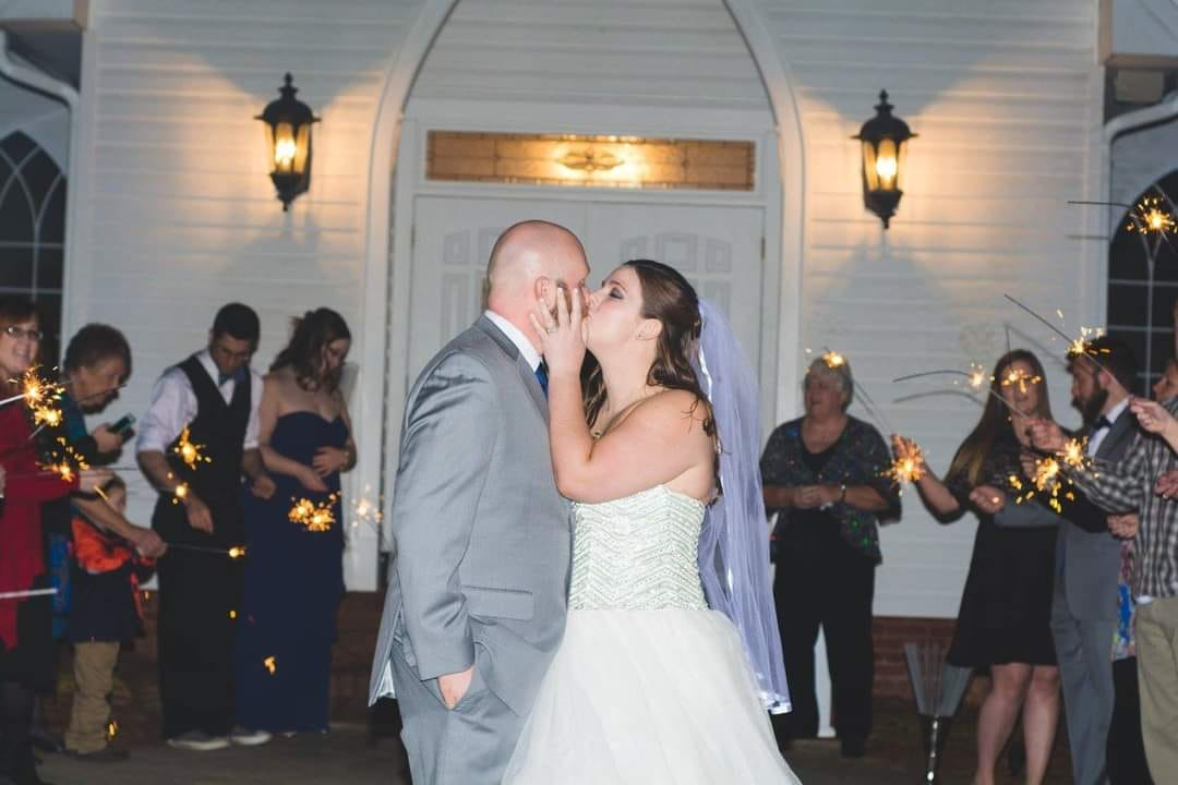 Hillary Mizell Allen met her husband in September 2014. They have been married for five years.